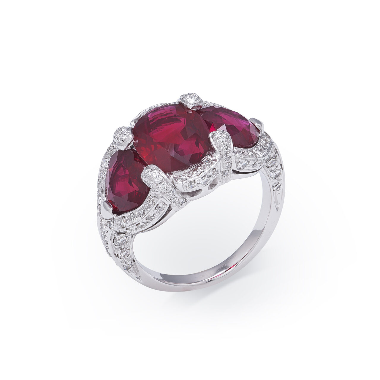 White gold ring with Burmese rubies and diamonds