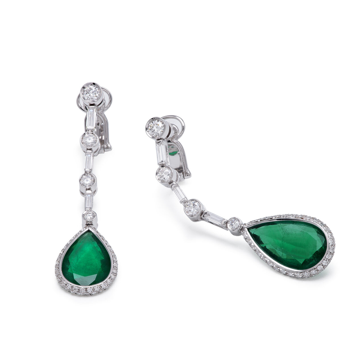 White gold earrings with diamonds and zambian emeralds