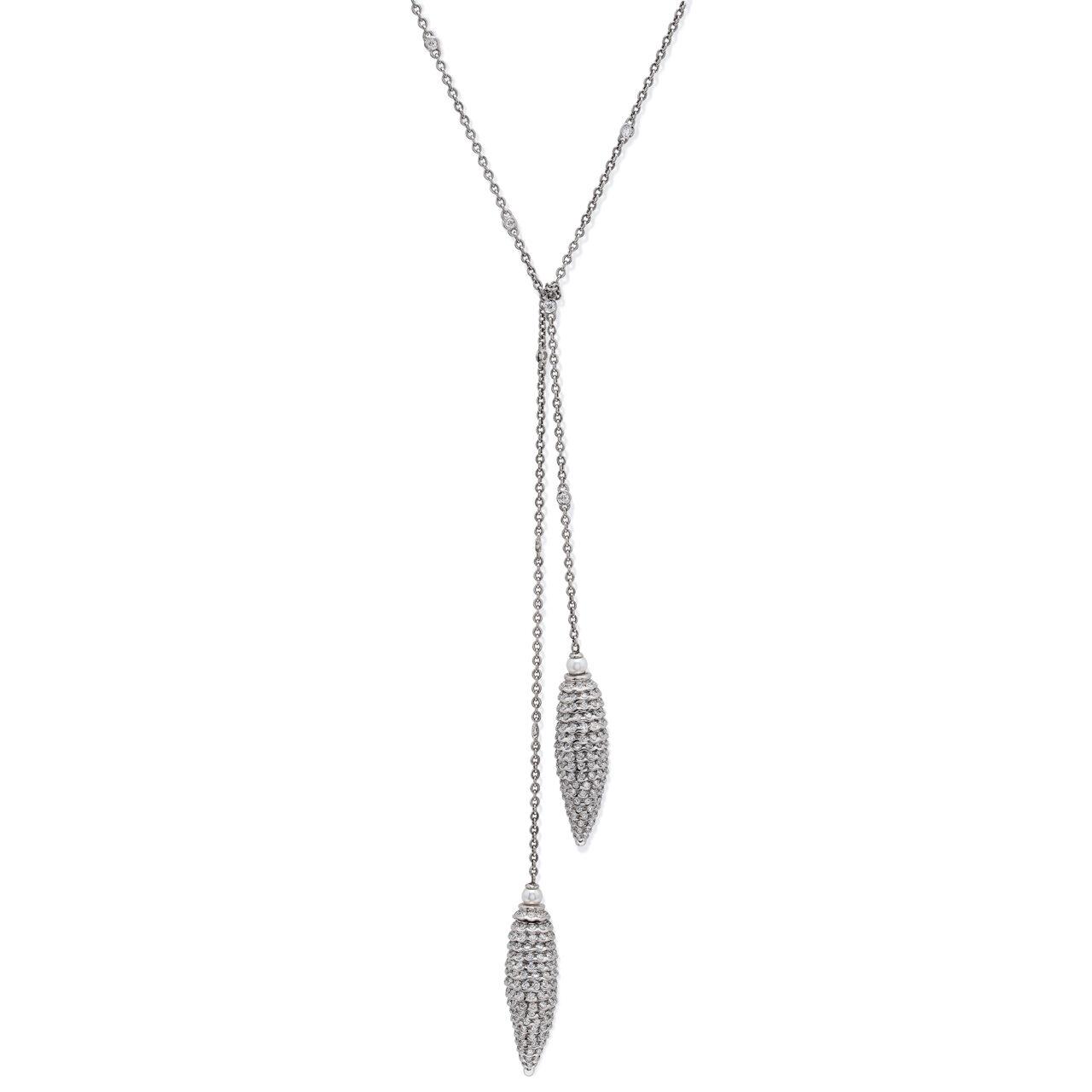 Collana in platino a pendolo con diamanti e perle