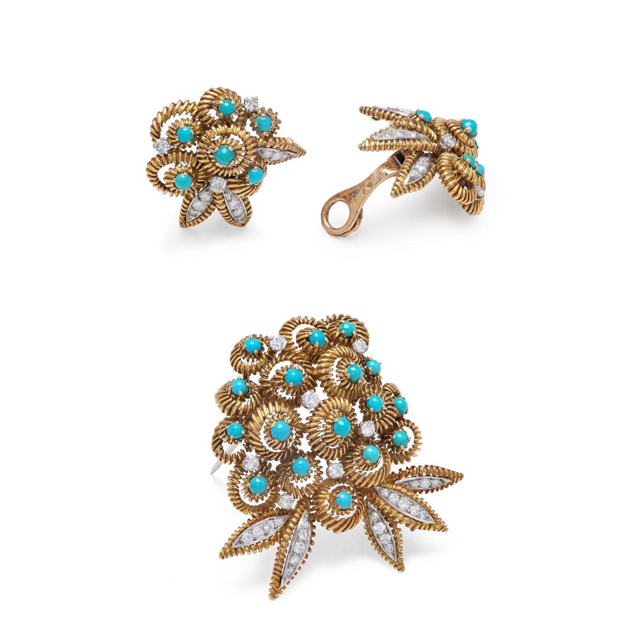 Parure di Van Cleef & Arpels composta da Spilla e orecchini in oro giallo con Turchesi e diamanti