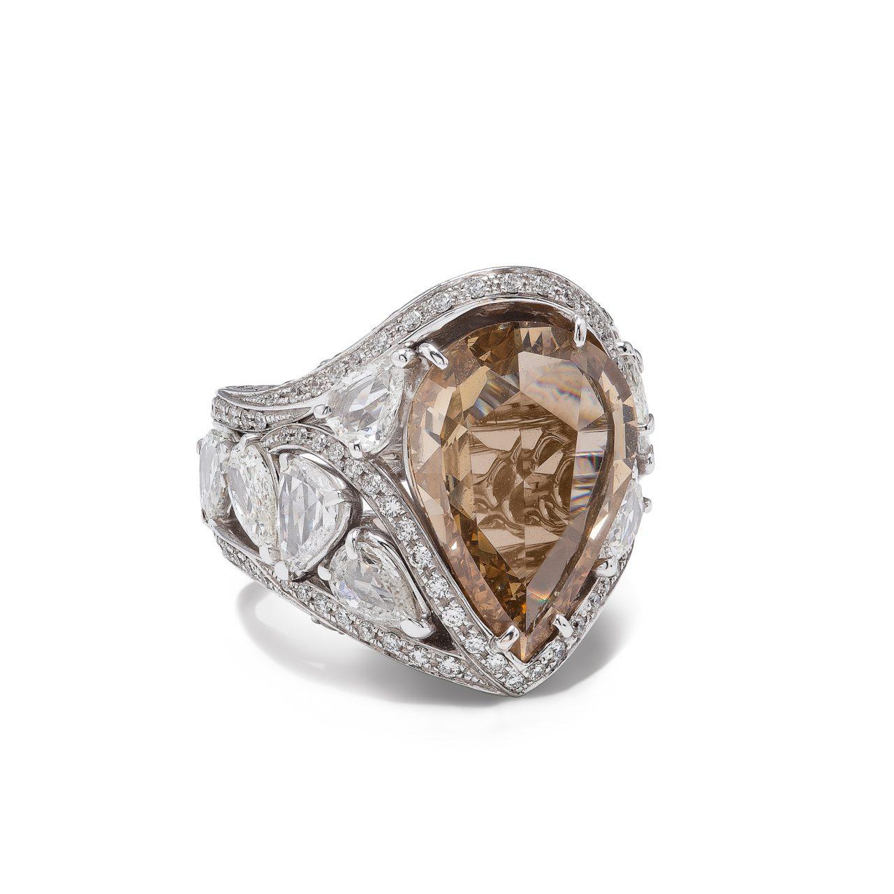 Anello in oro bianco 18k con diamante fancy brown