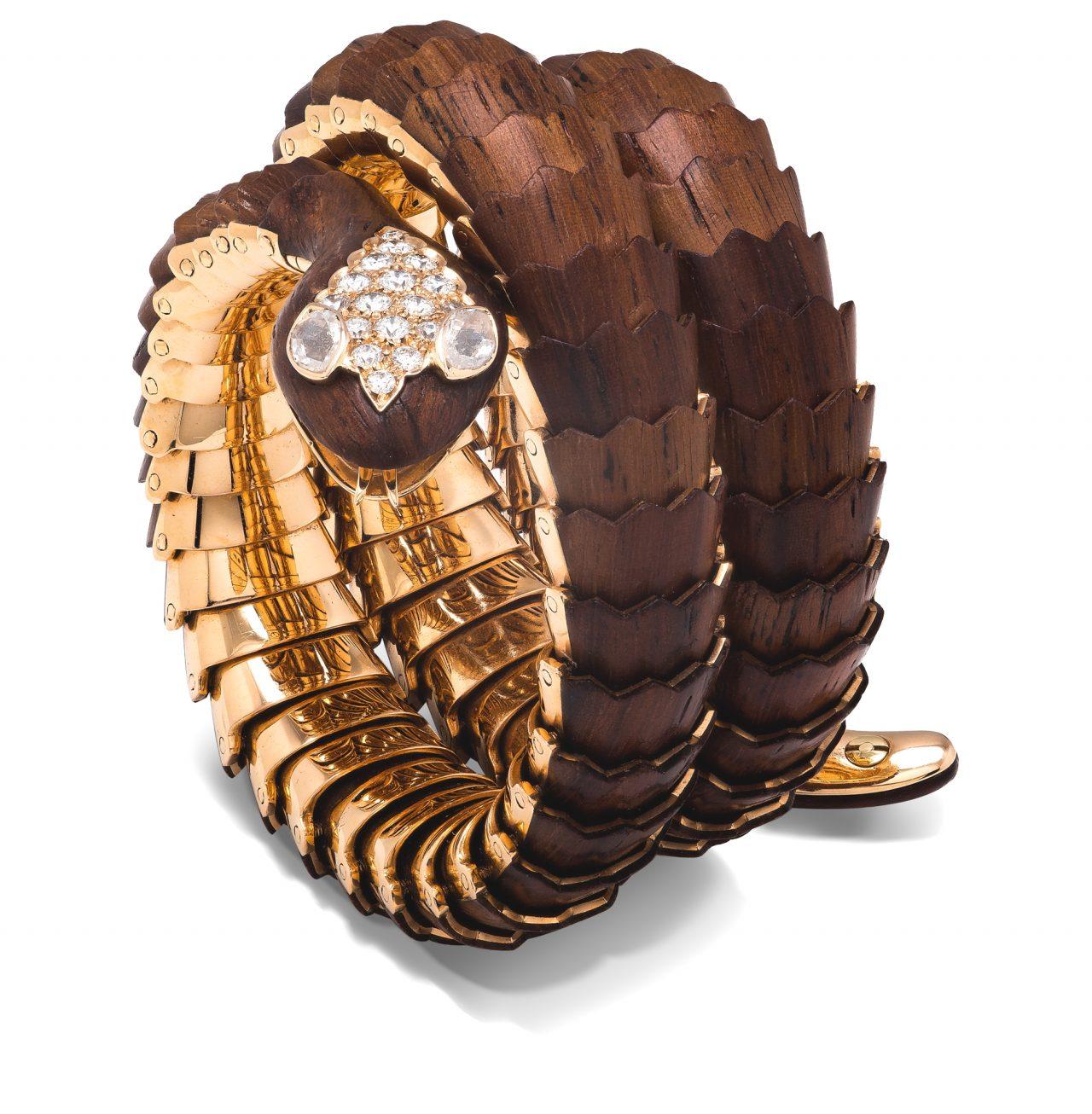 Bracciale serpente di Illario in legno padouk, oro giallo 18k e diamanti